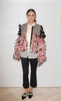 Olivia Palermo se decanta por las plumas