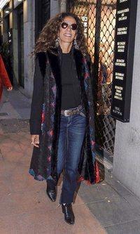 Rosario Flores apuesta por un look casual