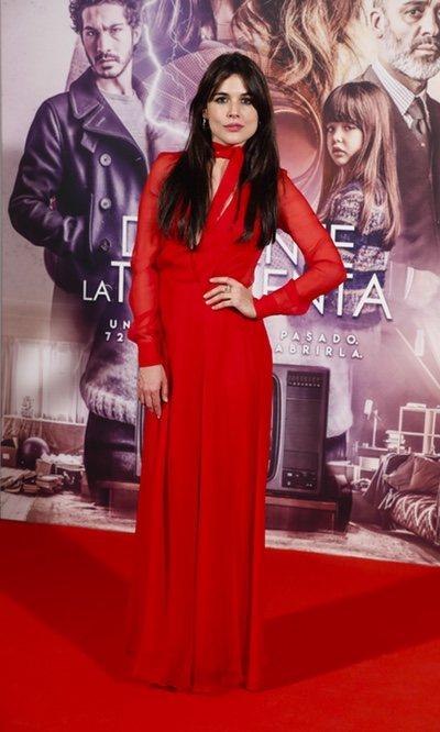 Adriana Ugarte y su total look