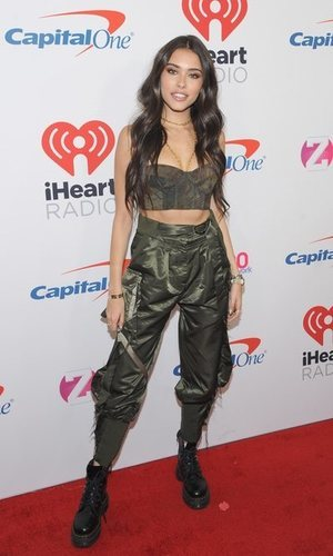 El top corsé camuflaje de Madison Beer