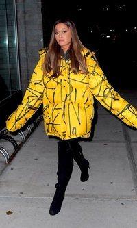 Ariana Grande y su gusto por lo oversize