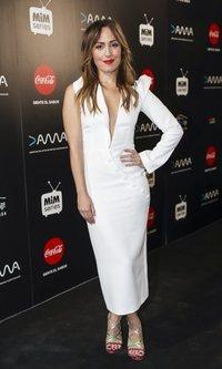 El vestido asimétrico de Irene Montalá
