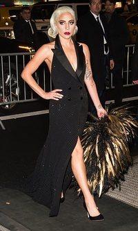 Lady Gaga arrasa una vez más en la alfombra roja