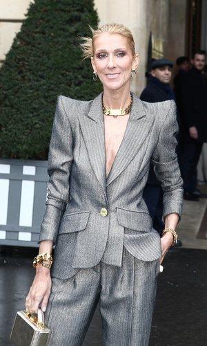 Las hombreras de Céline Dion