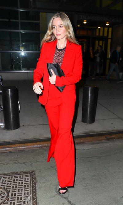 Emily Blunt apuesta todo al rojo
