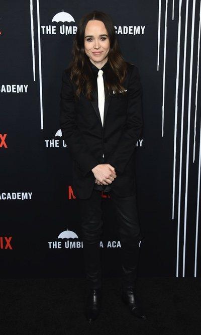 El traje con corbata también es para Ellen Page