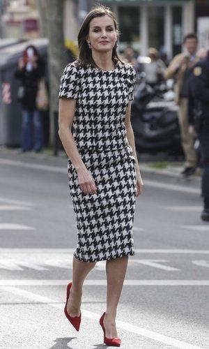 La Reina Letizia nos deja un look de lo más elegante