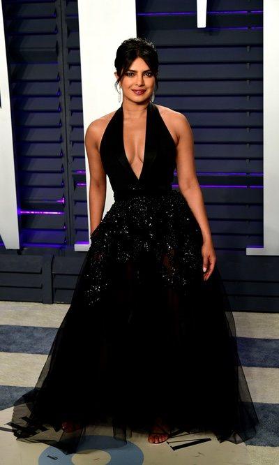 Priyanka Chopra arrasa con un impresionante vestido