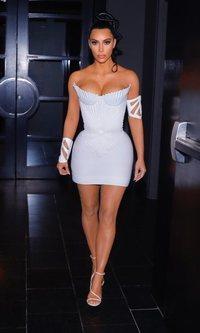 Kim Kardashian no deja de arriesgar