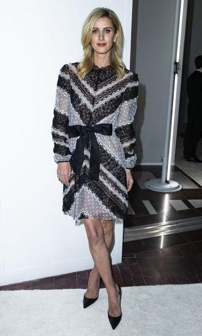 Nicky Hilton elegante y romántica