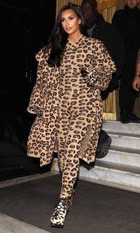 El look más felino de Kim Kardashian