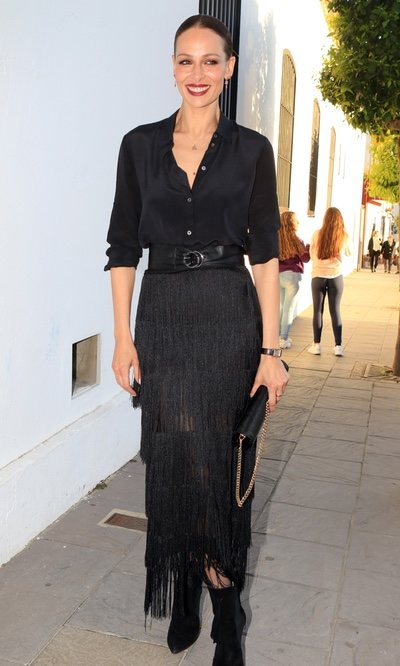 Eva González, de negro y con flecos