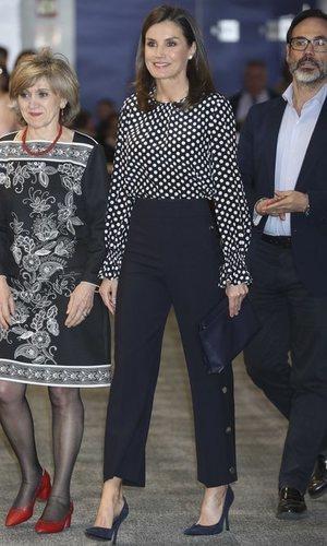 La Reina Letizia, un look muy recatado