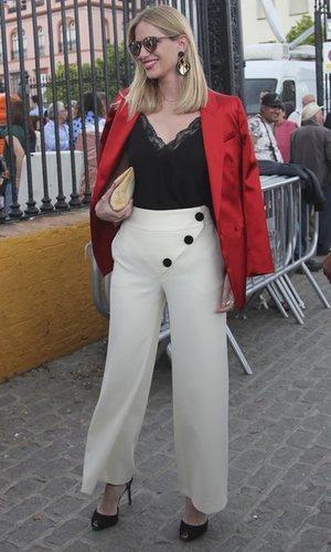 Teresa Baca falla con los pantalones