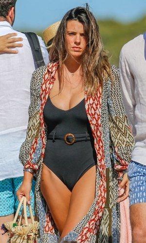 El outfit de Laura Matamoros perfecto para un día de playa