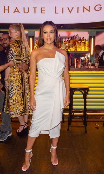Eva Longoria se suma a la tendencia del verano