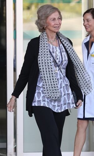 La Reina Sofía deslumbra con su 'lookazo'