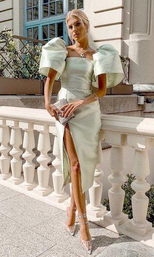 Teresa Andrés Gonzalvo tiene el look para ser invitada perfecta a una boda de otoño