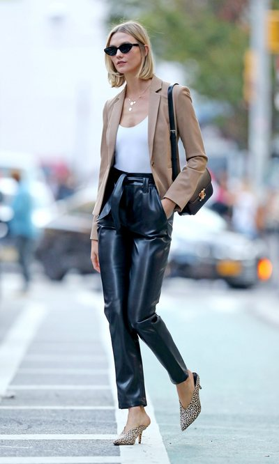 El look 'casual Friday' de Karlie Kloss