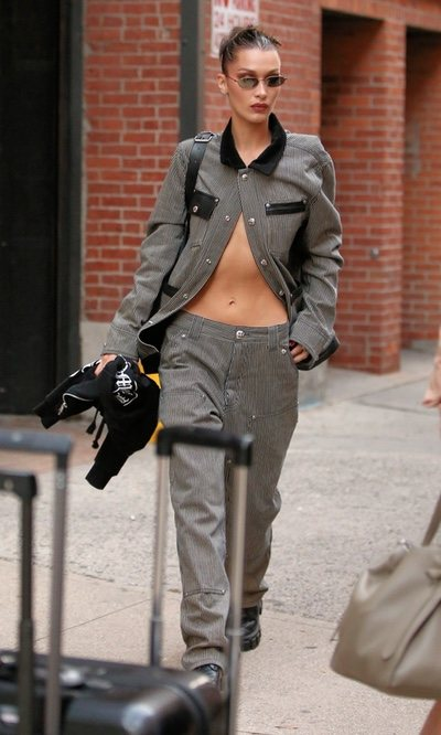 Nadie convierte una prenda en sexy mejor que Bella Hadid