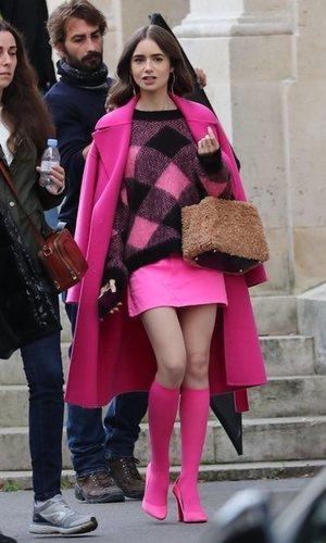 Todo al fucsia: el look más sexy de Lily Collins