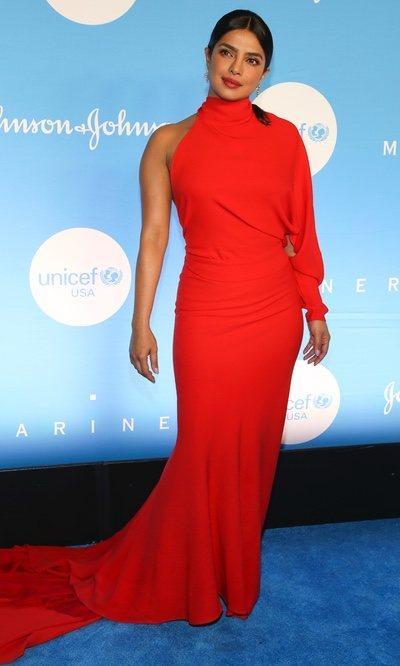 Priyanka Chopra y el vestido más favorecedor