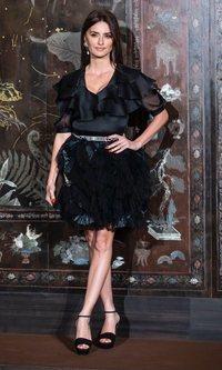 Penélope Cruz y la nueva versión del look total black
