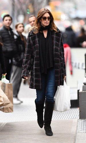 Cindy Crawford despide el año sencilla y elegante