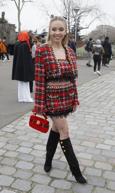 Sydney Sweeney, cautivada por el tejido de moda