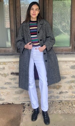 El look effortless de Alexa Chung para quitarse el chándal