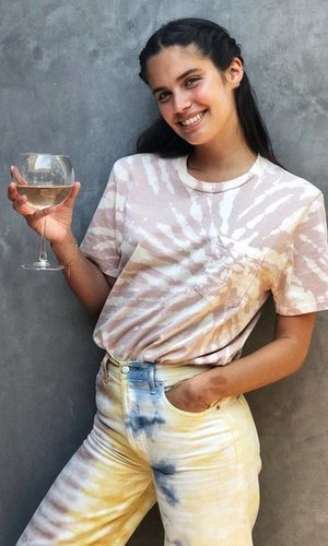 Sara Sampaio cae rendida también a la tendencia del Tie Dye