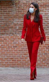 La Reina Letizia recupera de su armario el traje rojo que nos enamoró hace 2 años