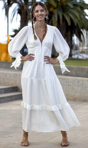Helen Lindes se marca su particular fiesta ibicenca en la Gran Canaria Moda Cálida