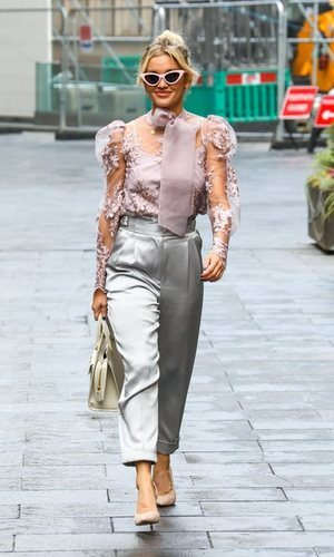 El look working girl de Ashley Roberts que todas pueden copiar