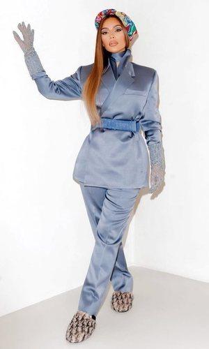 Kim Kardashian demuestra que los géneros en la ropa están anticuados