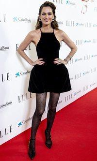 Mar Saura demuestra que el Little Black Dress se ha de llevar con medias fantasía