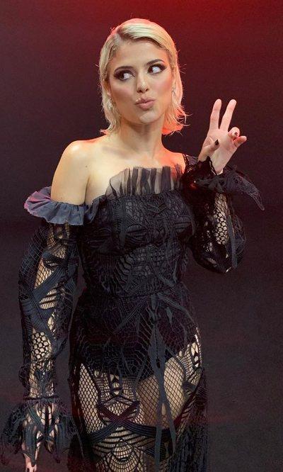 El vestido de Alba Reche firmado por Ana Locking que nos encanta para Nochevieja