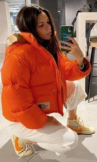 Laura Matamoros también tiene el abrigo favorito de las it-gils este invierno
