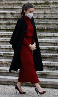 La Reina Letizia estrena vestido (pero de rebajas)