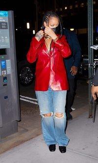 Rihanna demuestra que se ha sumado ya a todas las tendencias del momento