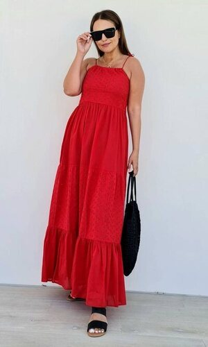 Paula Echevarría apuesta por la moda española en su look más veraniego